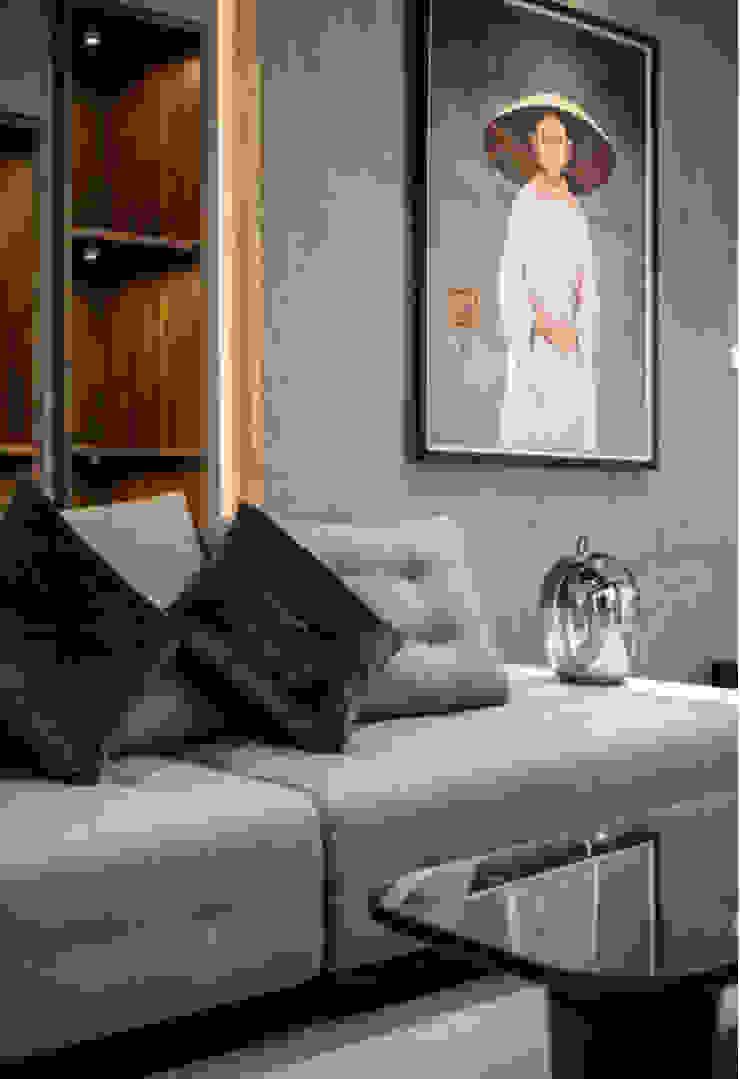 BIỆT THỰ VINHOMES THĂNG LONG Hầm rượu phong cách kinh điển bởi Neo Classic Interior Design Kinh điển