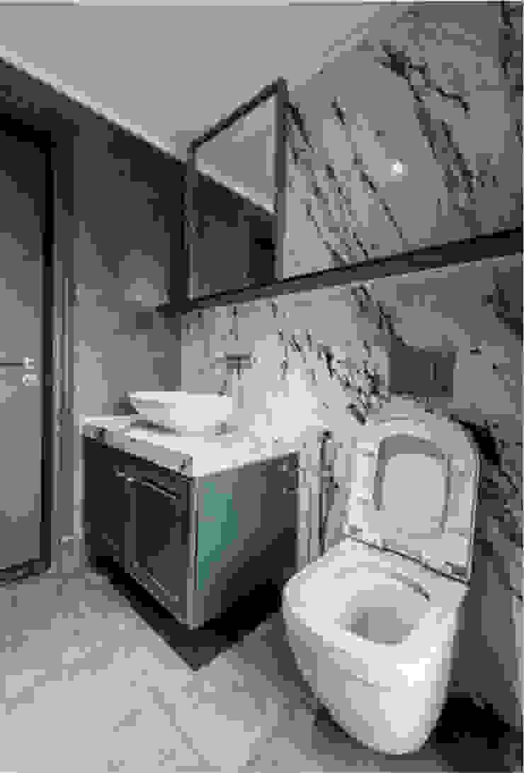 THIẾT KẾ NỘI THẤT CHUNG CƯ MULBERRY LAND Phòng tắm phong cách kinh điển bởi Neo Classic Interior Design Kinh điển