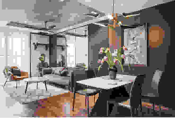 SEASON AVENUE – THIẾT KẾ CHUNG CƯ CAO CẤP MỘC MẠC MÀ SANG TRỌNG Phòng khách phong cách kinh điển bởi Neo Classic Interior Design Kinh điển