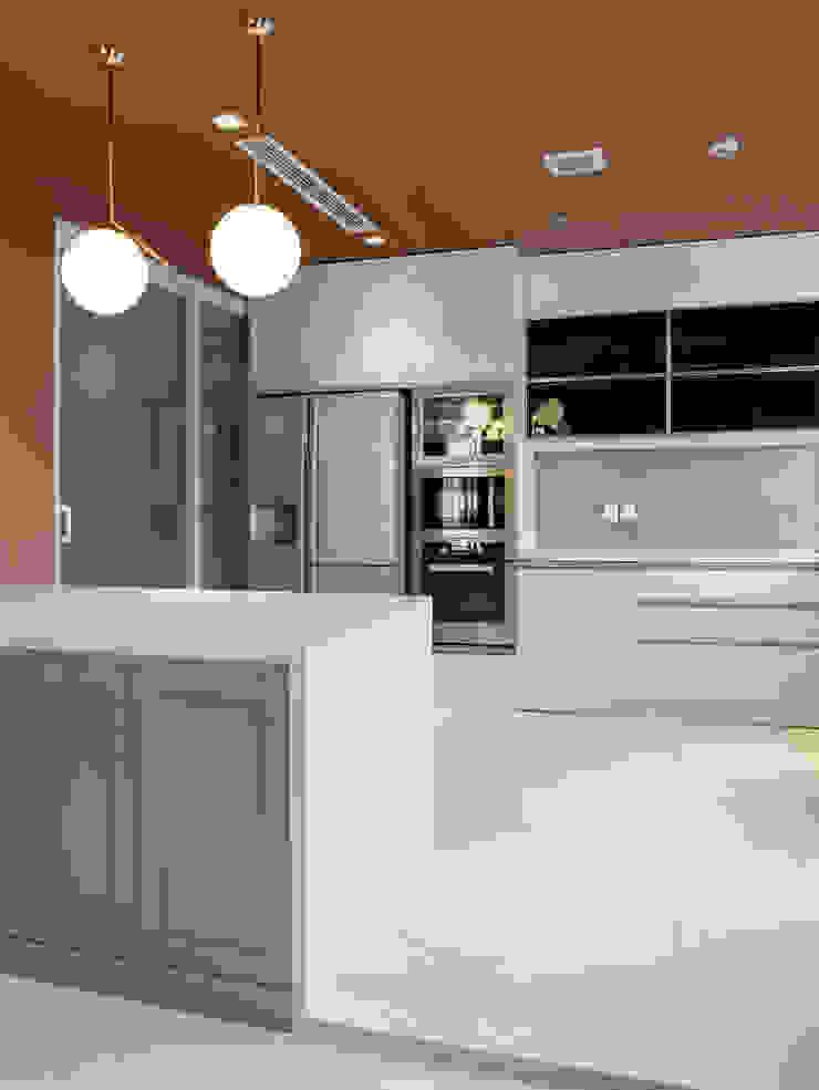"""PARK HILL – NÉT ĐẸP SANG TRỌNG VÀ ĐẲNG CẤP MANG PHONG CÁCH TÂN CỔ ĐIỂN """"ĐỐN TIM"""" NGƯỜI NHÌN Nhà bếp phong cách kinh điển bởi Neo Classic Interior Design Kinh điển"""