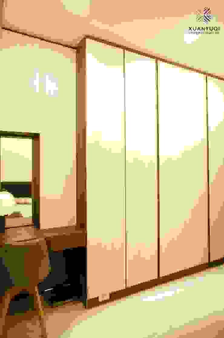 日月光X精品飯店宅: 現代  by 玄御奇系統傢俱, 現代風