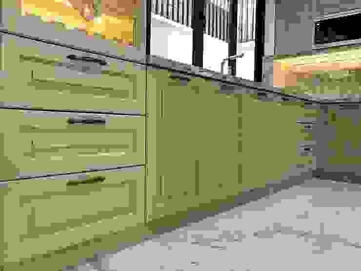 Tủ bếp dưới. Nội thất Thành Nam KitchenCabinets & shelves Gỗ Amber/Gold