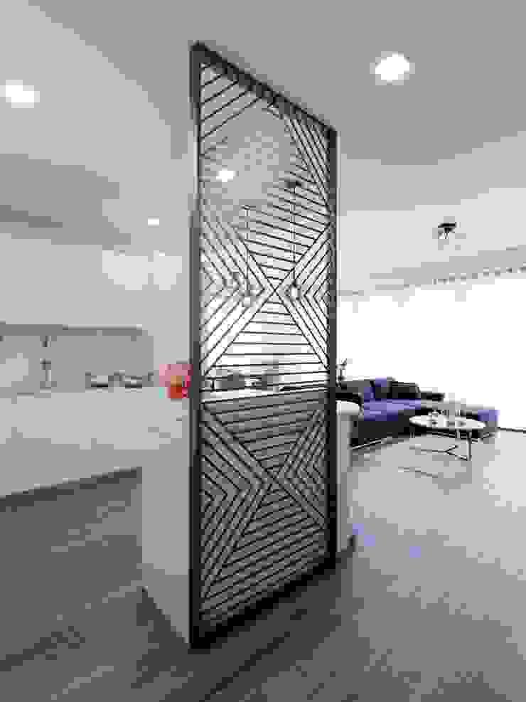 İdea Mimarlık Modern corridor, hallway & stairs