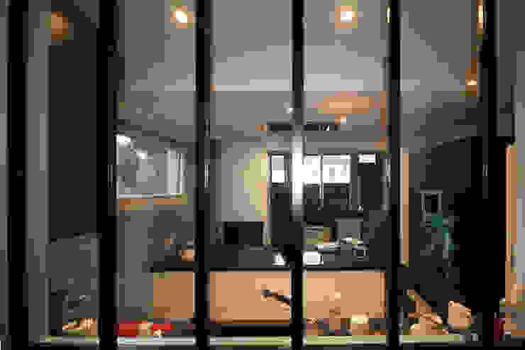 Agence ADI-HOME Dapur built in Aluminium/Seng Black