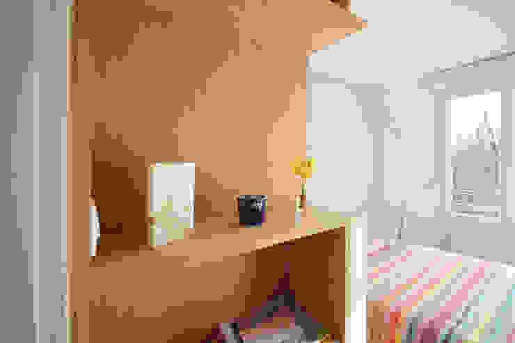 Agence ADI-HOME Kamar tidur kecil Kayu Wood effect