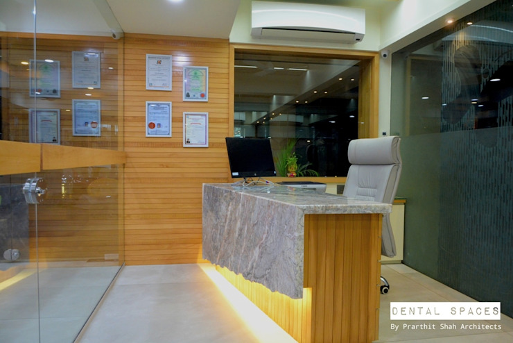 Dental Consulting Area Minimalist hospitals by prarthit shah architects Minimalist Marble
