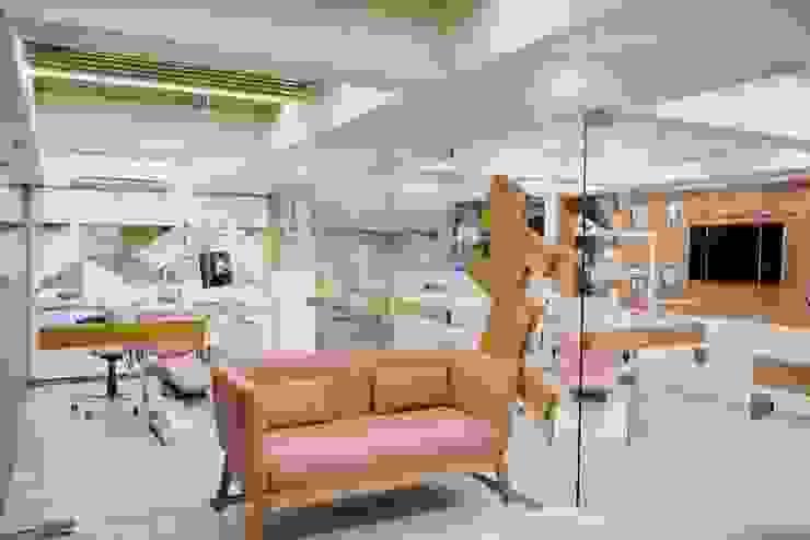 Dental Surgical Area Minimalist hospitals by prarthit shah architects Minimalist Wood Wood effect