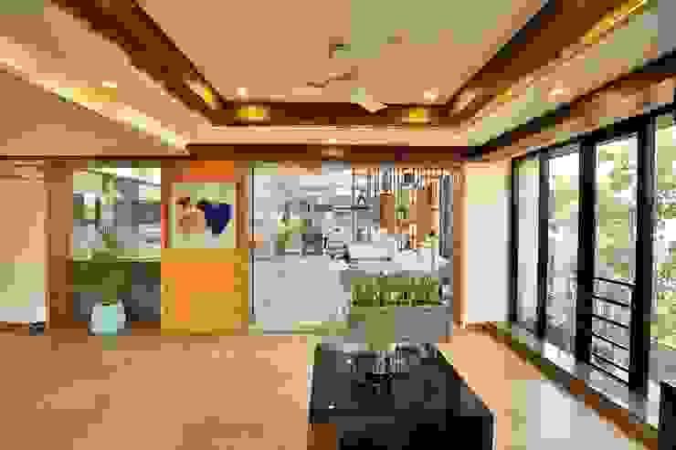 Dental Waiting Area Minimalist hospitals by prarthit shah architects Minimalist Wood Wood effect