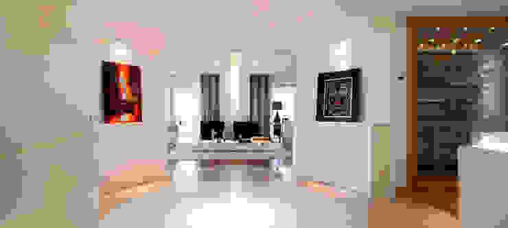 Hall e galeria C2HA Arquitetos Salas de estar ecléticas