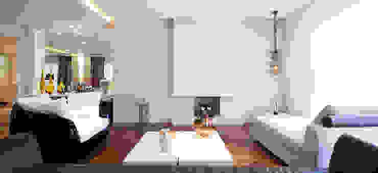 Sala de estar com lareira C2HA Arquitetos Salas de estar ecléticas