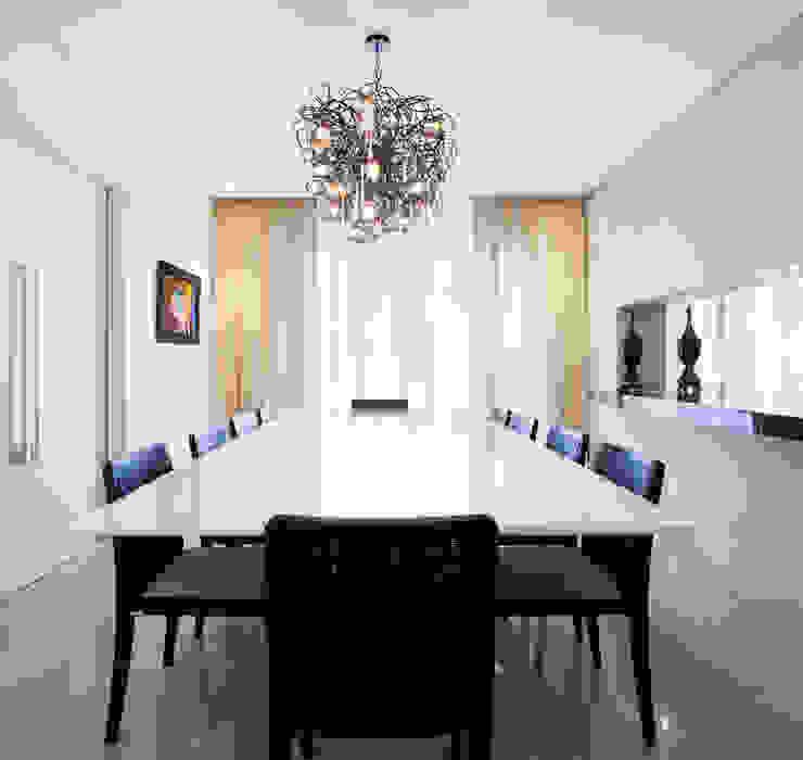 Sala de jantar luxuosa C2HA Arquitetos Salas de jantar ecléticas