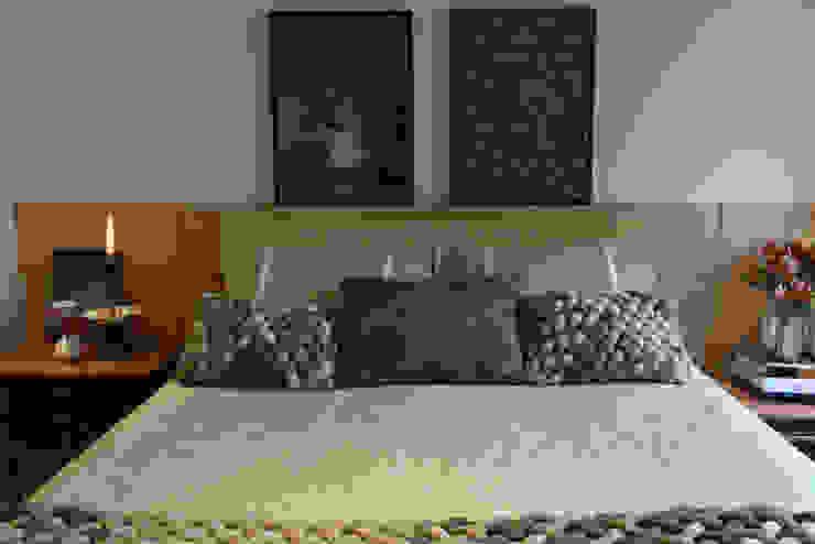 Enzo Sobocinski Arquitetura & Interiores Kamar Tidur Modern Kayu Buatan Green