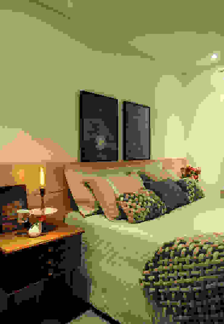 Enzo Sobocinski Arquitetura & Interiores Modern style bedroom Engineered Wood Green