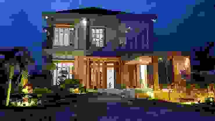 """Renovasi Rumah Pekanbaru """"Warm Gold"""" Oleh INTERIAU LIVING Klasik"""