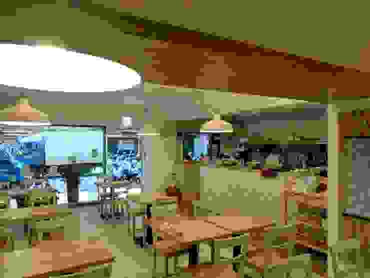 信義區日式下午茶餐廳-雪之下 根據 濬禾設計有限公司 日式風、東方風 實木 Multicolored
