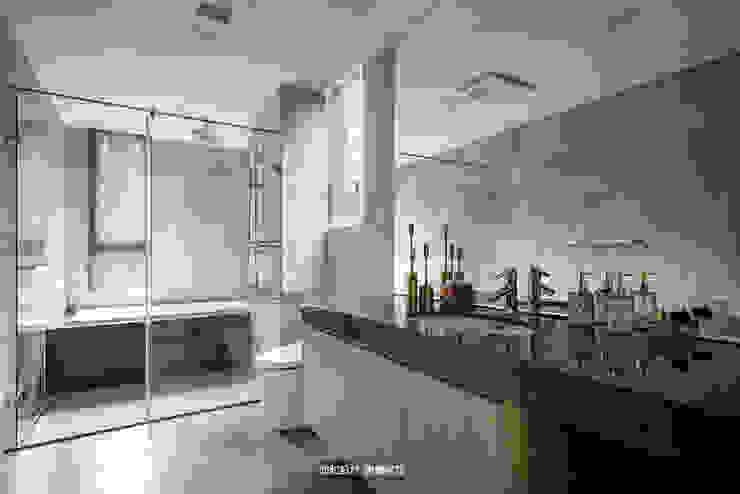 浴室 現代浴室設計點子、靈感&圖片 根據 欣和室內裝修有限公司 現代風