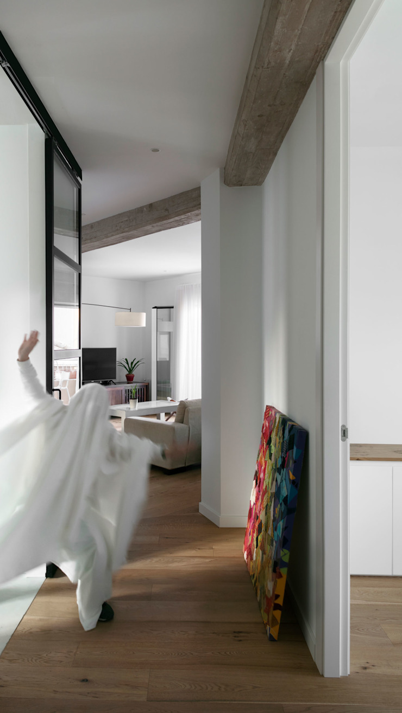 Ingresso, Corridoio & Scale in stile moderno di DonateCaballero Arquitectos Moderno