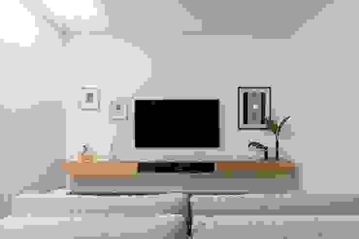 INÁ Arquitetura Salas/RecibidoresMuebles para televisión y equipos