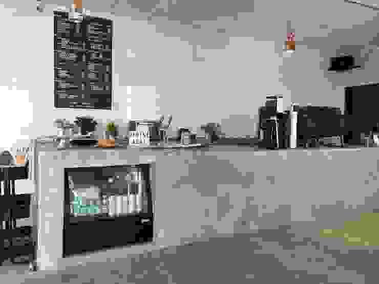 Barra de Café de Boom Taller de Arquitectura Minimalista