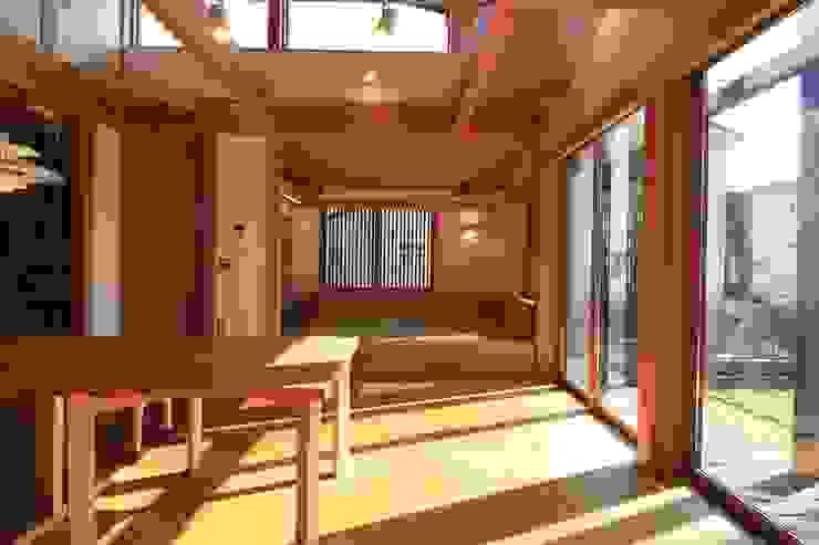 by 田村建築設計工房 Asian