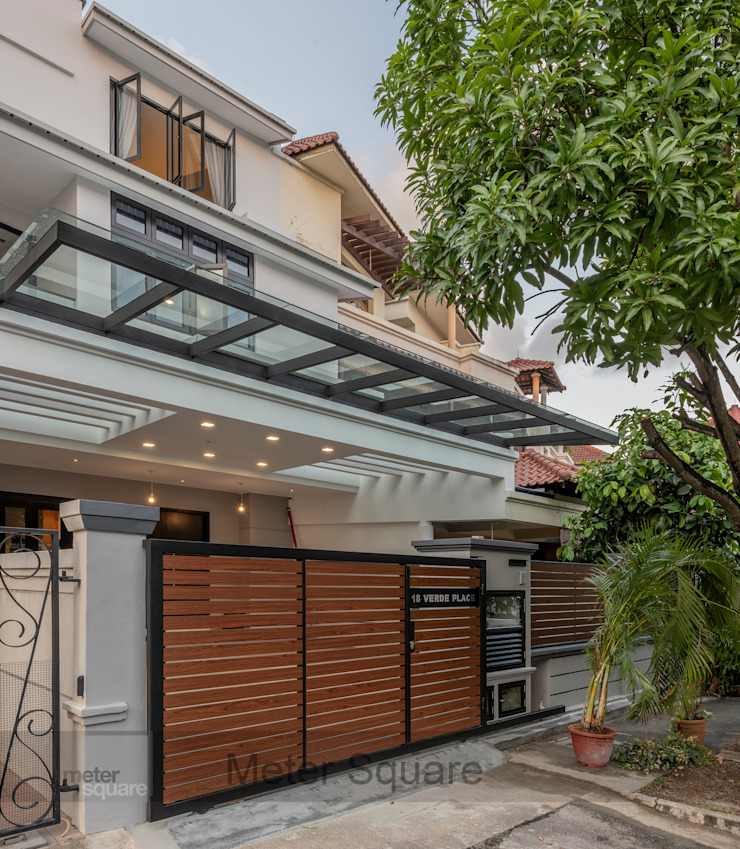 Warm Elegance by Meter Square Pte Ltd Modern Glass