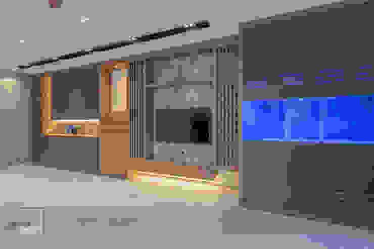 Warm Elegance Meter Square Pte Ltd Modern living room Solid Wood Wood effect