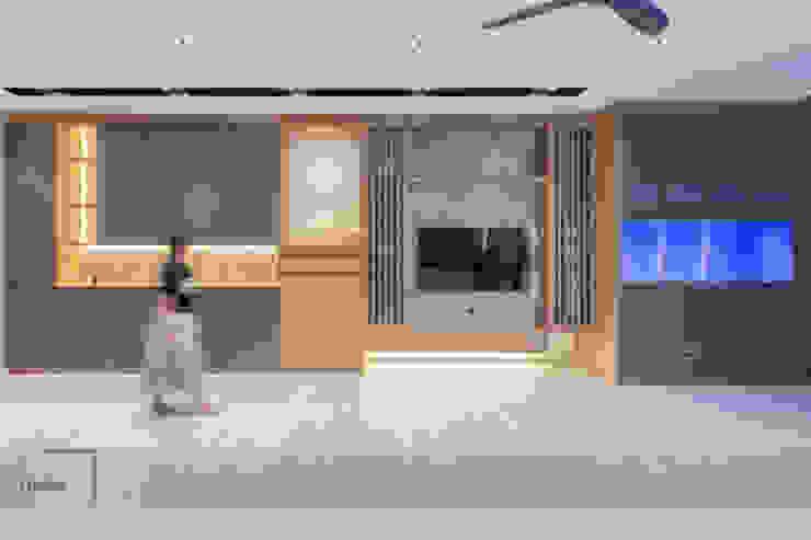 Warm Elegance Meter Square Pte Ltd Modern living room Solid Wood Grey