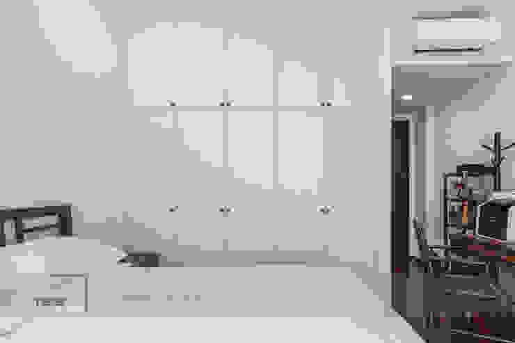 Modern Indochina Mediterranean style bedroom by Meter Square Pte Ltd Mediterranean Solid Wood Multicolored