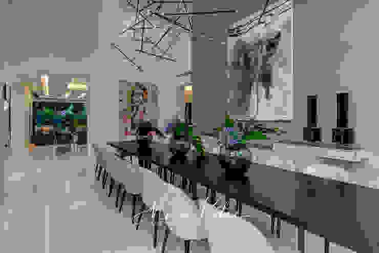 House Radomsky Modern dining room by Malan Kotze Photography Modern