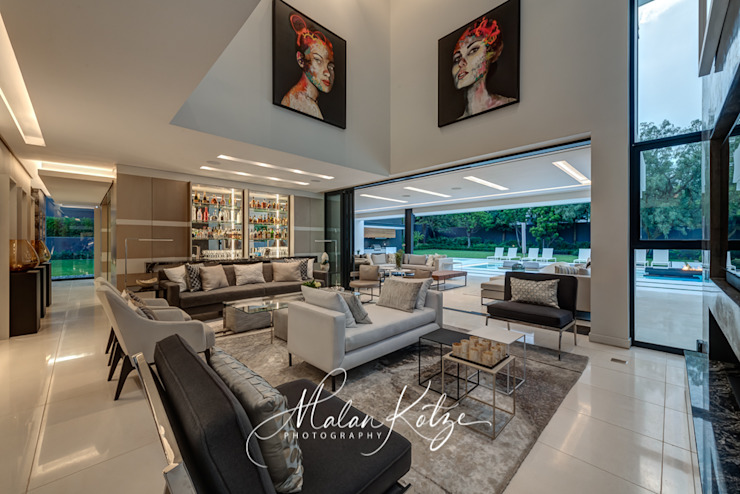 House Radomsky Modern living room by Malan Kotze Photography Modern