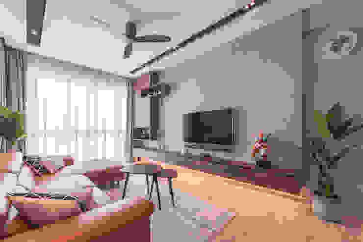 Scandinavian Luxury Meter Square Pte Ltd Scandinavian style living room Wood Brown