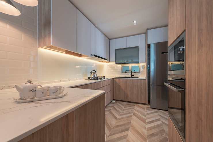 Scandinavian Luxury Meter Square Pte Ltd Scandinavian style kitchen Wood Brown