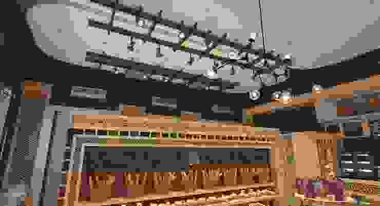 تصميم السقف من AKYAN SQUARE تبسيطي خشب Wood effect