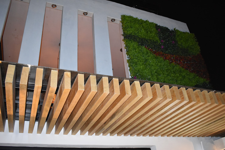 MSG Architecture SA DE CV Minimalistischer Balkon, Veranda & Terrasse Holz Beige