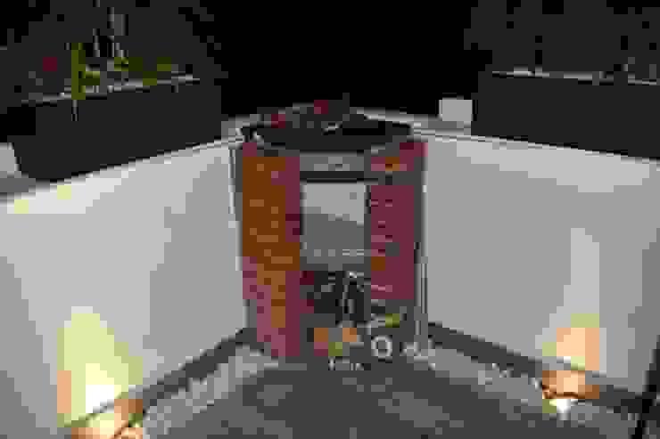 MSG Architecture SA DE CV Minimalistischer Balkon, Veranda & Terrasse Ziegel Rot