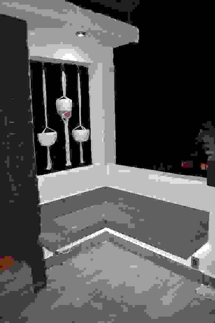 MSG Architecture SA DE CV Minimalistischer Balkon, Veranda & Terrasse Keramik Beige