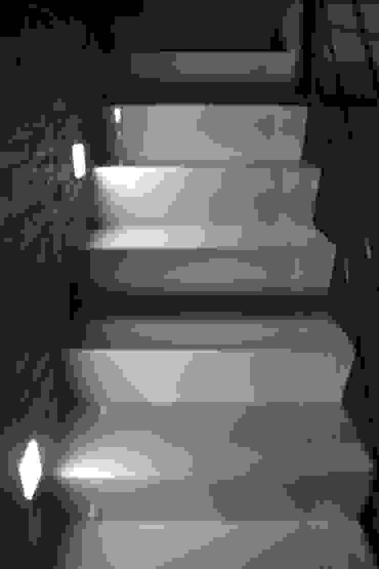 MSG Architecture SA DE CV Treppe Keramik Weiß