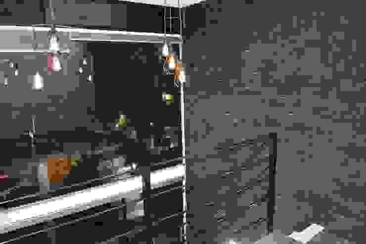 MSG Architecture SA DE CV Minimalistischer Balkon, Veranda & Terrasse Stein Schwarz