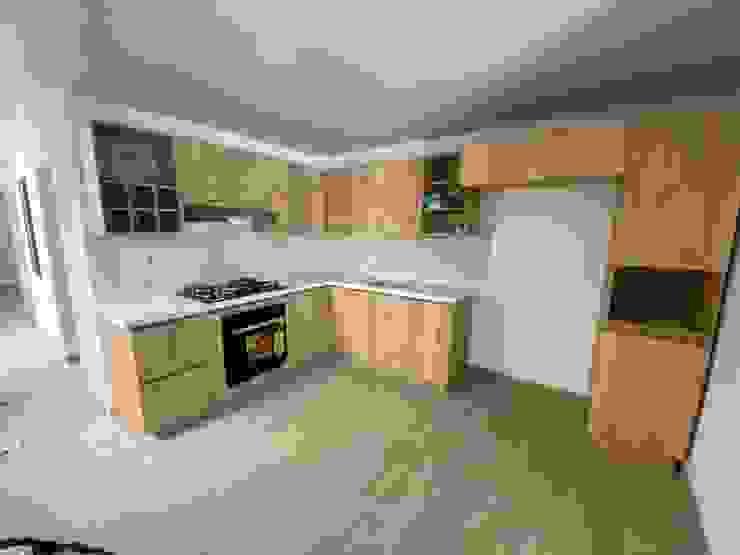 Modern Kitchen by spatium consilium Modern Chipboard