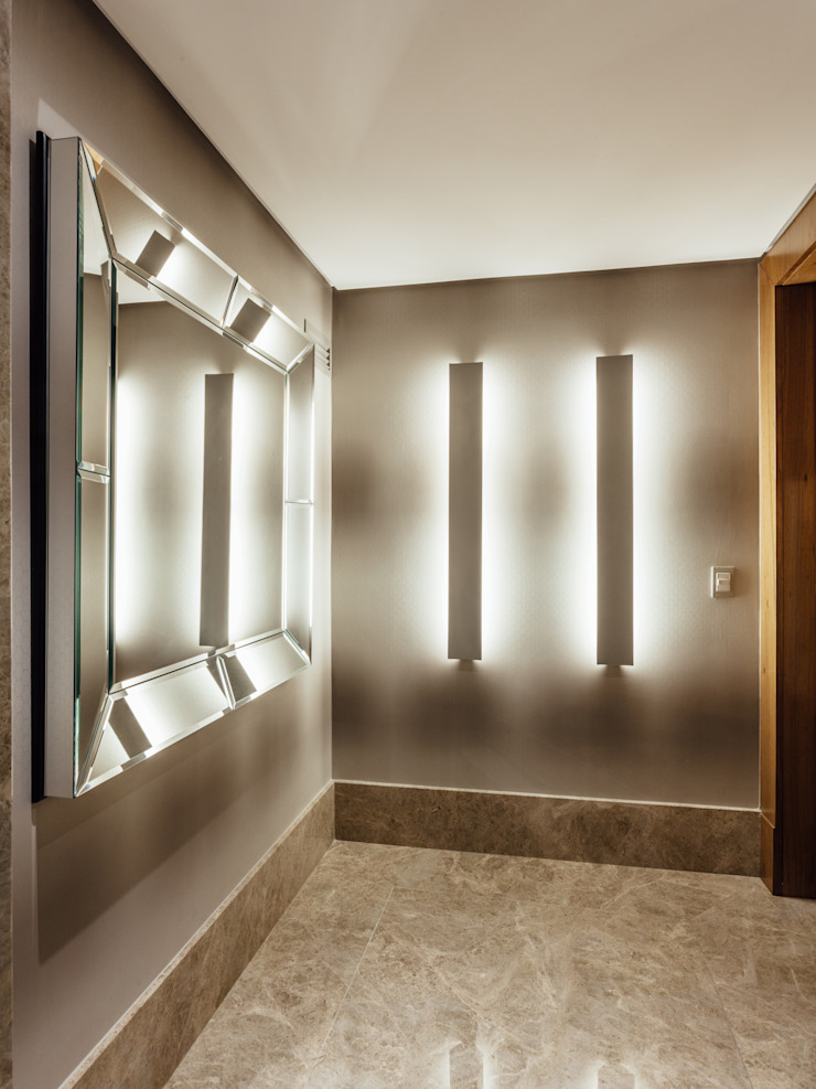 RUTE STEDILE INTERIORES Modern Corridor, Hallway and Staircase