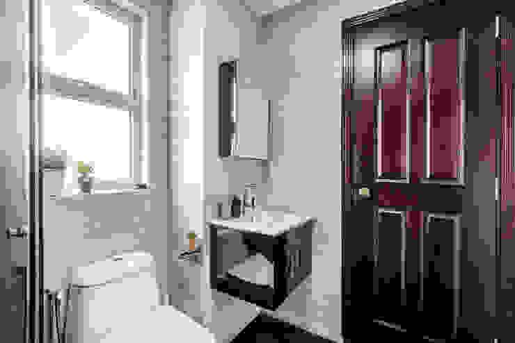 Project : 280 West Wood Ave Scandinavian style bathroom by E modern Interior Design Scandinavian
