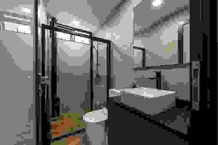 Retro Industrial Industrial style bathroom by Meter Square Pte Ltd Industrial Wood Wood effect
