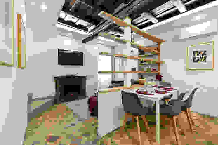 Soggiorno Sala da pranzo moderna di Dr-Z Architects Moderno