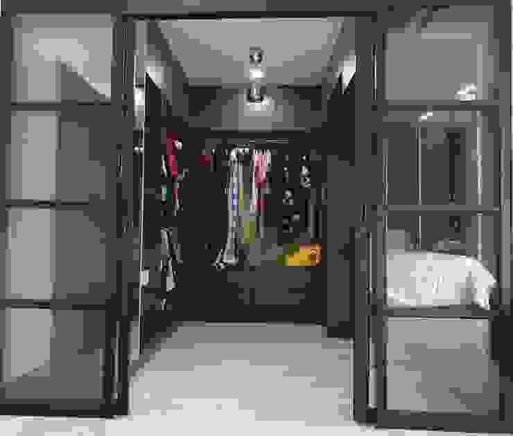 Architectural / Interior Design - Semi D (Jarom) Dterri Interior Design Modern style dressing rooms