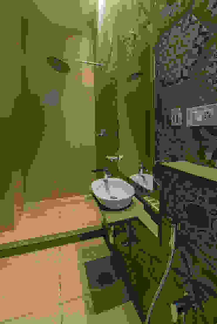 Toilet design Offcentered Architects Minimalist style bathrooms