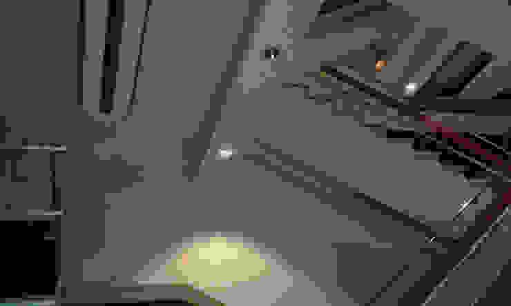 pintores de escaleras en cine Capitol Pintores Juan Jiménez Espacios comerciales de estilo clásico Blanco