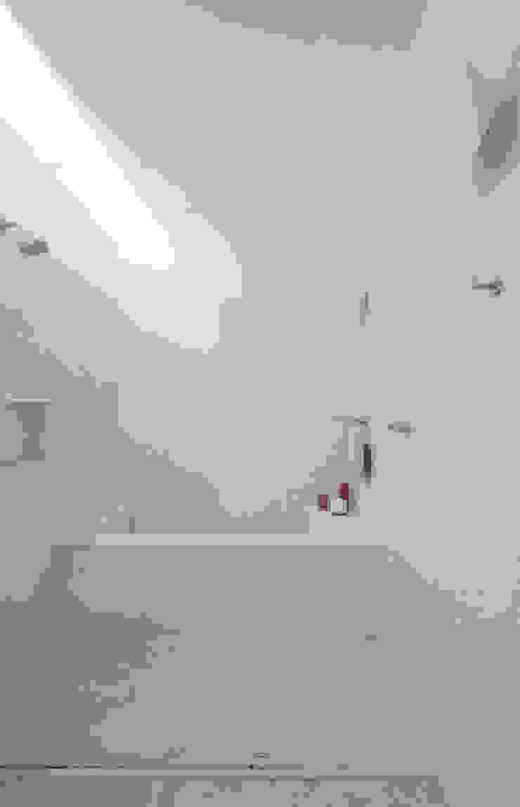 INÁ Arquitetura Baños de estilo moderno