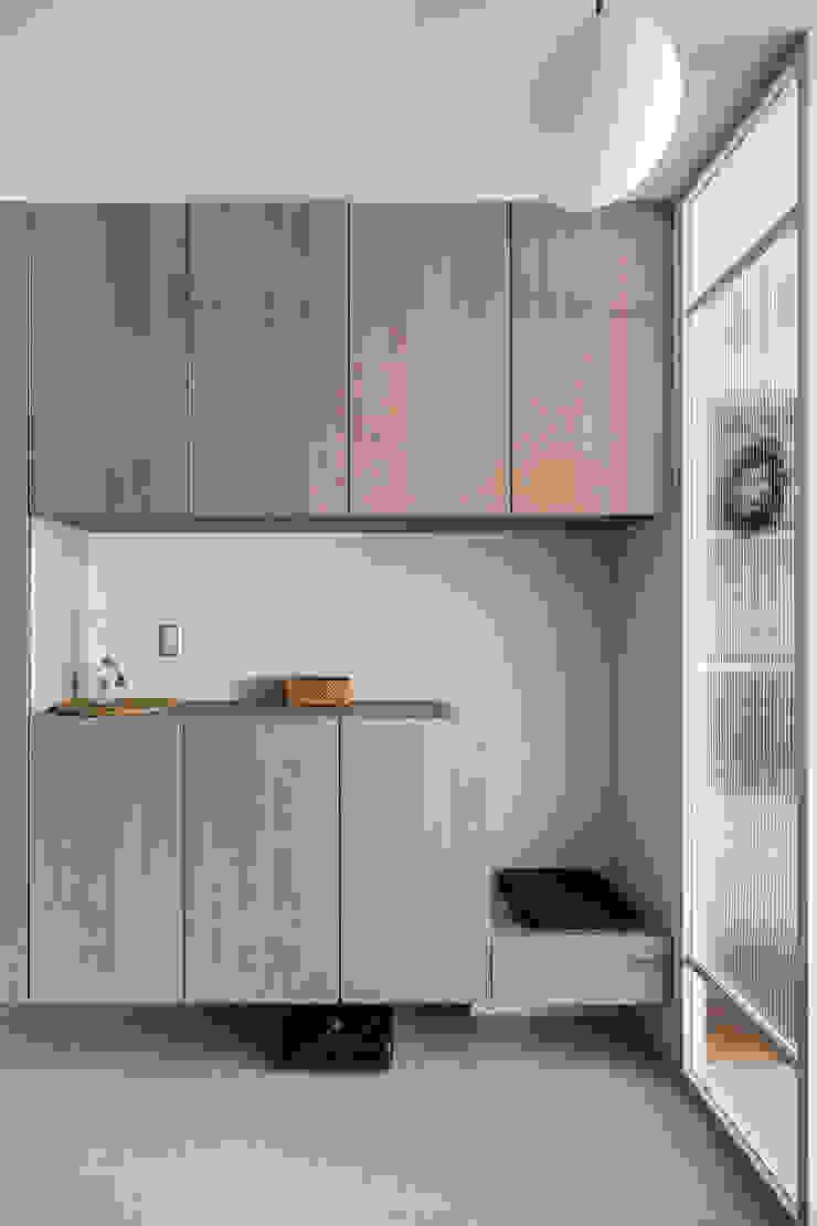 - 亞洲風玄關、階梯與走廊 根據 FEELING室內設計 日式風、東方風