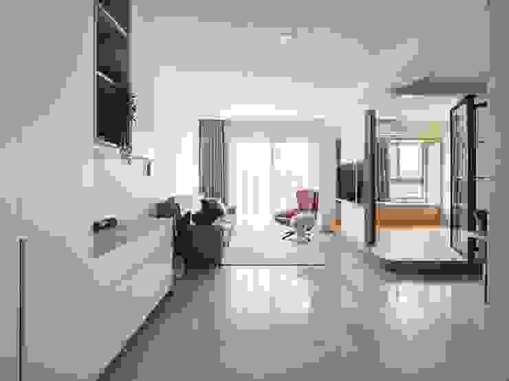 客廳 根據 FEELING室內設計 簡約風