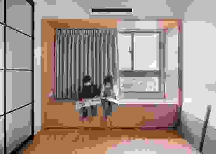 - 根據 FEELING室內設計 簡約風